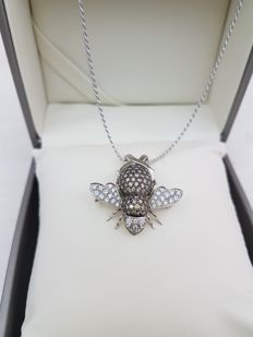 Exclusive necklace with white gold pendant and diamonds (approx. 3 ct). Made in Italy.