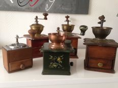 Collection of 5 antique wooden coffee grinders (1950)