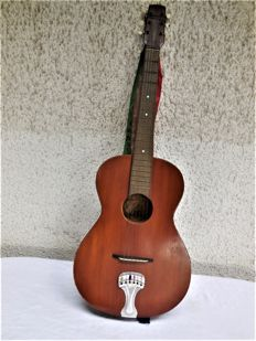 Old FRAMUS travelling guitar/classical guitar with ornamental ribbons.