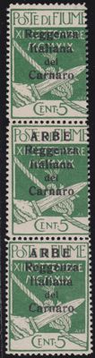 "Arbe, 1920 - 5 cent, green, three stamps in vertical column. Top stamp without ""ARBE"". Sass. N. 5 + 5h"