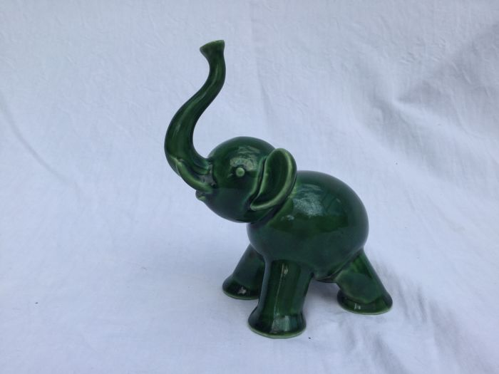 Villeroy & Boch Luxembourg Septfontaines - Eduard Hermanutz - Elephant