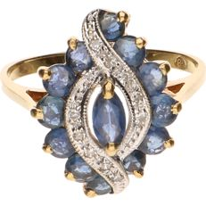 18 kt Yellow gold ring set with sapphires and seven brilliant cut diamonds of approx. 0.01 ct each - Ring size: 17.5 mm