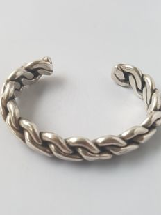 Solid Navajo cuff bracelet with unique, braided links - 87 g