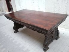 A Renaissance style carved walnut table - Italy - circa 1900
