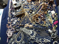 Large collection of decorative jewellery - over 180 pieces