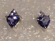 14 kt white gold tanzanite earrings set with a single stone  5 x 5 mm