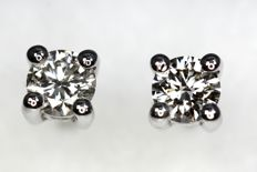 18 kt white gold ear studs with diamonds, 0.40 ct in total NO RESERVE PRICE