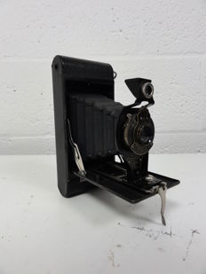 Kodak No. 2A Folding Autographic Brownie with bag
