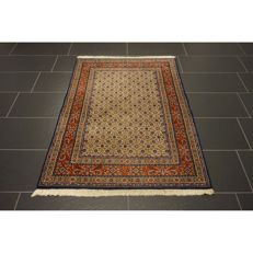 Beautiful hand-knotted Persian carpet - Moud with silk - 150 x 100cm - made in Iran - medallion carpet