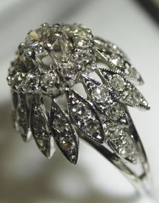 1970, Ring, 18 kt 750/1000 white gold, brilliant cut diamonds, 1.1 carat