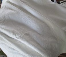 White cotton damask bedspread