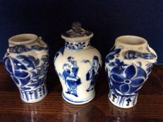 Three blue and white porcelain vases - China - 19th century