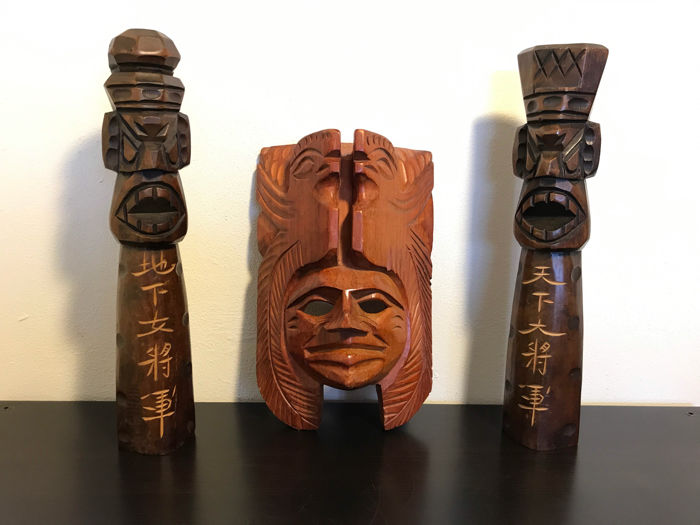 Tiki-art - Three beautiful Polynesian wood carvings - Maori culture - America - second half of 20th century