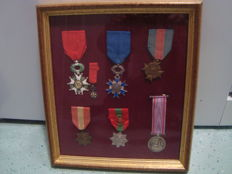 7 medals under glass, France