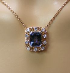 18kt gold necklace with natural IF Tanzanite and VS1 Diamonds of 6.76 ct - length 50 cm - No reserve price