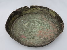 Celtic copper bowl with original repair work from the late iron age - 23 x 4 cm