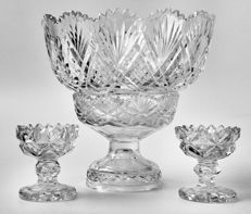 A large and finely cut crystal bowl on pedestal with 2 small bowls, Western Europe, 19th century