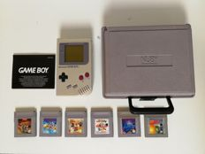 Original Gameboy Classic with 6 games and travelcase!