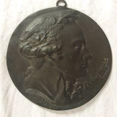 Medallion in patinated bronze of Robesoierre by David d'Angers - 1830