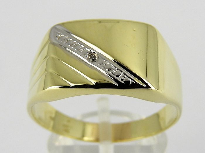 14 kt gold ring with approx. 0.005 ct diamond – Size 21 – 2.2 g *** No Reserve ***