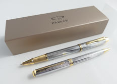 Parker Sonnet rollerball and ballpoint: high gloss chromestaal: luxury with gold-plated accents, with Parker gift box (031-1)