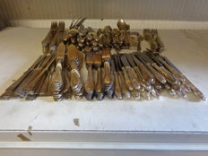 Jager Solingen, 288 parts, heavily silver plated Art Nouveau Cutlery section