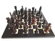 Great game of chess in boxwood, ebony and bone varnished of the 1950s; Craft of Congo - Kinshasa