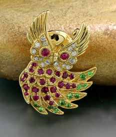 Brooch/pendant in the shape of an owl, set with rubies, tsavorites and diamonds, 750 yellow gold ***no reserve price***