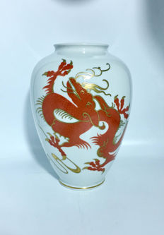 Wallendorf - Chinese Red Dragon Porcelain Vase