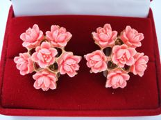 Vintage 1950- 1960s – Large Carved Flowers Coral Lucite Celluloid Clip on Earrings