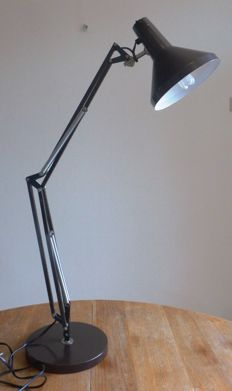 Hala – Architect Lamp Model Terry 2