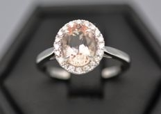 14kt White Gold Oval Morganite 1.5ct  Diamond 0.25ct Ring , Size M , 13 , 53.