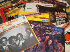"Beautiful Collection of Soul & Black Music >>> Lot of 45  7"" Singles: Commodores/ Stevie Wonder/ Three Degrees/ Barry White/ The Trammps/ Gladys knight & The Pips/ Temptations And Many More!"