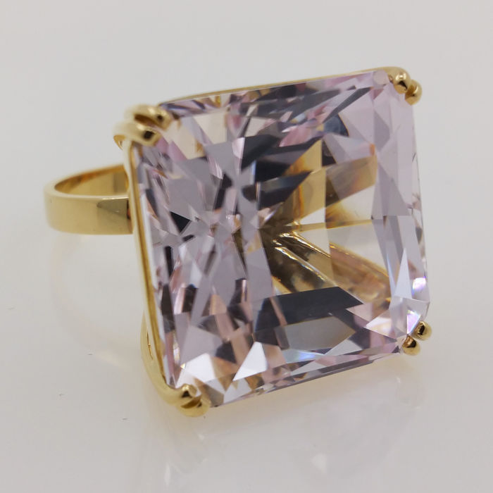 18 karaat Goud - Ring - 56.07 ct Kunziet