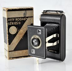 1937  KODAK  'JIFFY'  Six-20  Series II  Folding Strut Camera.