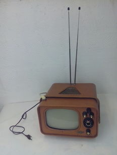 Portable TV with transistor year 1960