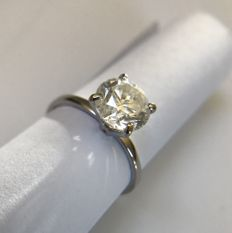 2.00 ct brilliant in white gold solitaire ring