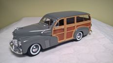 Maisto-Premiere Edition - Scale 1/18 - 1948 Chevrolet Fleetmaster 'Woody' - Edition of 1999