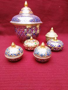 Collection Benjarong porcelain jars