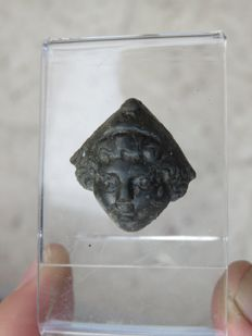 Roman empire - Roman bronze god ornament - 2.2 x 2.2 cm