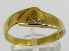 14 kt gold ring with +/- 0.05 ct diamond - size 19 - 3.3 grams
