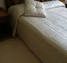 Damask quilted bedspread + pillow - Italy