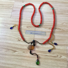 Replica of a Qing Dynasty necklace- late twentieth Century - Beads are 130 mm in diameter.