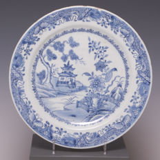 Nice large blue-white porcelain plate, river landscape - China - 18th century