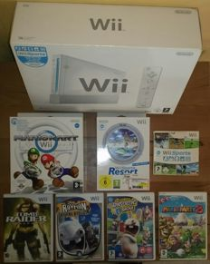 Wii complete including 7 games like Mario Kart