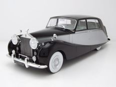 Modelcar Group - Scale 1/18 -  Rolls Royce Sliver Wraith  Empress By Hooper 1956 - Black / Silver