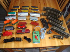 Fleischmann H0 - Large set with 4 locomotives, 17 wagons and large rail set