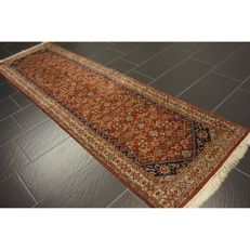 Distinguished handwoven Oriental carpet, Indo Bidjar Herati, runner 270 x 80 cm, made in India at the end of the 20th century