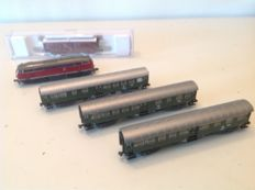 Fleischmann N - 8129k/ 8127 / 8128/ 833405 - Unitate de tren - Dieselloc V160 and 3x passenger- & 1x cleaning wagons - DB