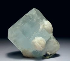Top Quality Large Aquamarine Crystal Specimen with Albite - 56 x 47 x 42 mm - 165 gm